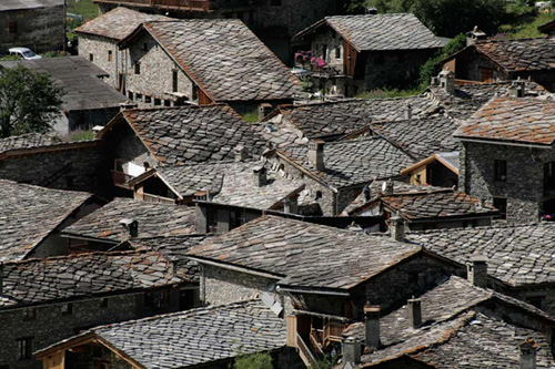 plus-beaux-villages-de-france-savoie